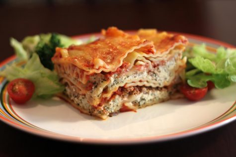 Lasagna with salad. Photo by Flickr from https://commons.wikimedia.org/w/index.php?curid=18808925